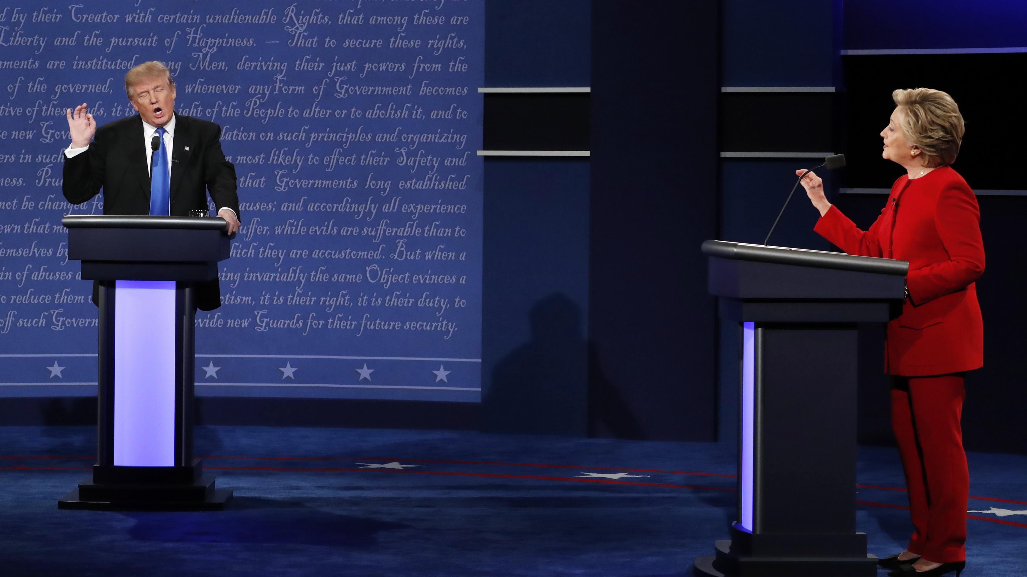 Trump verstrickt sich in Widersprüche - Clinton clever