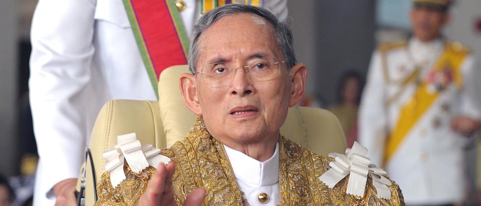 Bhumibol Adulyadej Nachruf Portrait