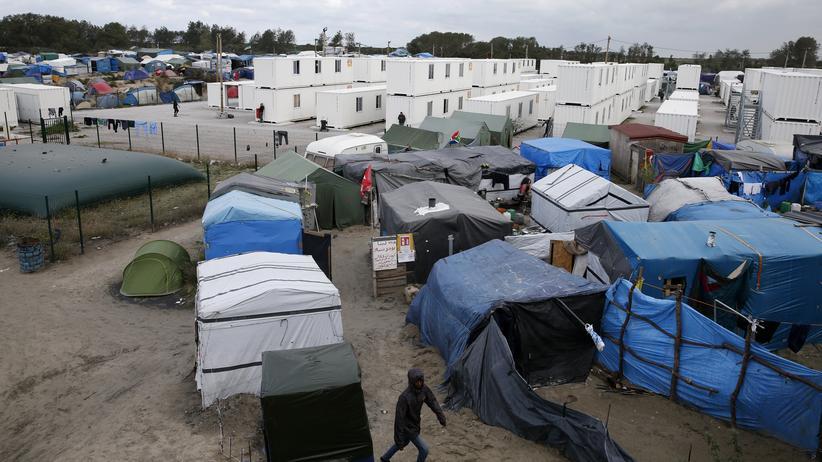 Calais: Das Flüchtlingslager nahe Calais soll geräumt werden. (Archivbild)
