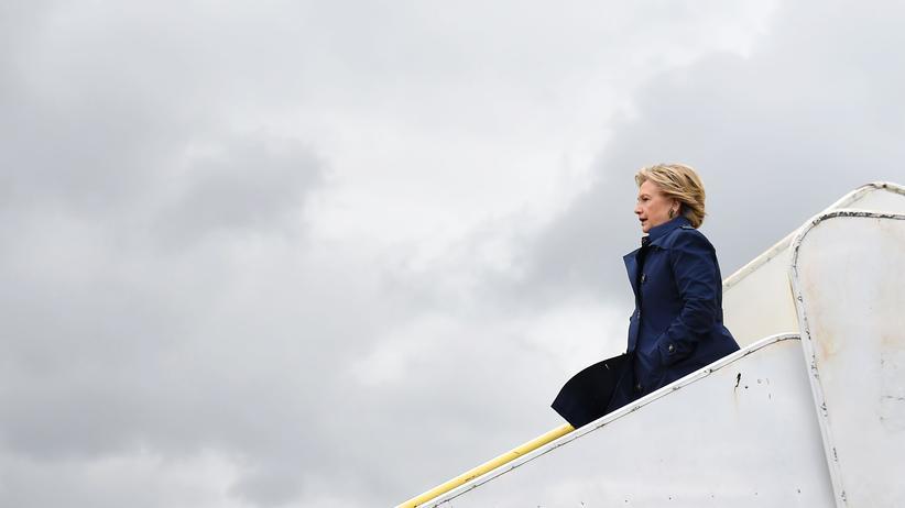 Hillary Clinton: Alle sahen sie schon als Präsidentin. Wird Hillary Clinton die E-Mail-Affäre noch gefährlich?