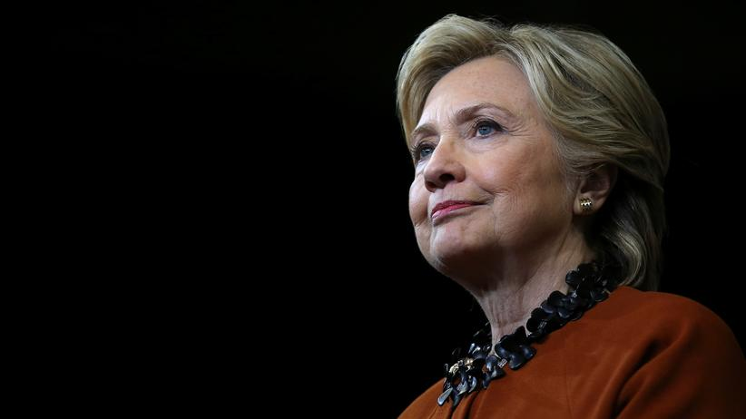 Hillary Clinton verlangt Details von den Ermittlern.