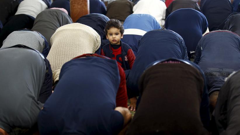 Islamismus: Muslime beim Freitagsgebet in einer Moschee in Madrid