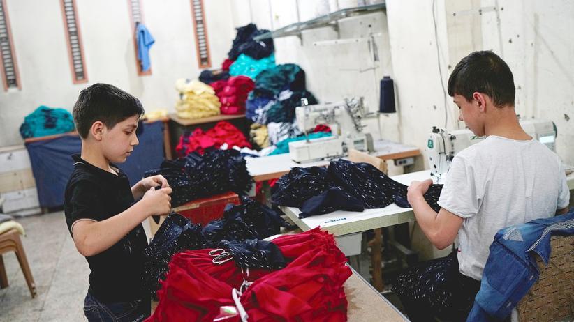 Sema Genel: Syrische Flüchtlingskinder in einer Fabrik im türkischen Gaziantep