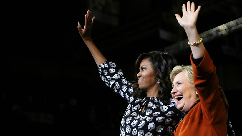 Michelle Obama und Hillary Clinton machen gemeinsam Stimmung.