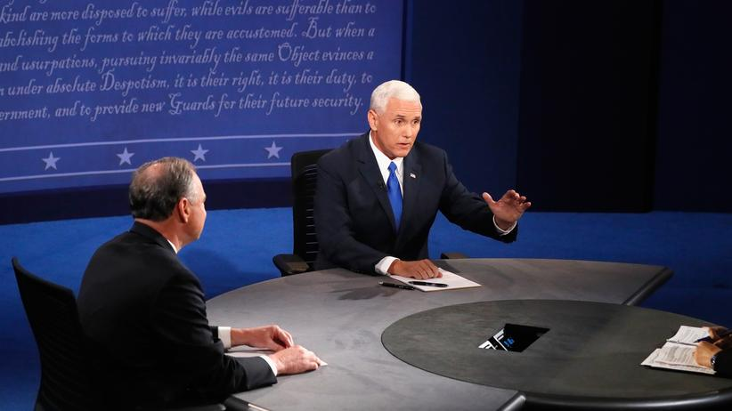 Mike Pence: Mike Pence beim TV-Duell mit Tim Kaine