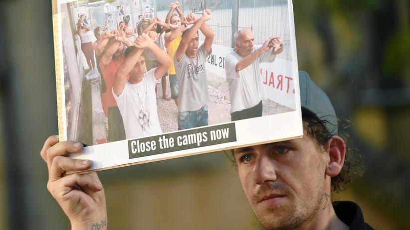 Menschenrechte: Protest gegen die Zustände im australischen Flüchtlingslager auf Nauru