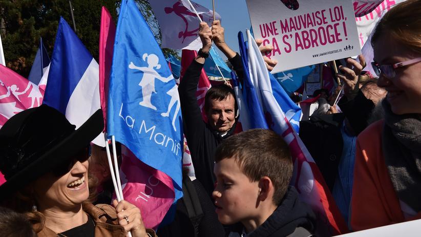 Frankreich: Zehntausende protestieren in Paris gegen Homo-Ehe