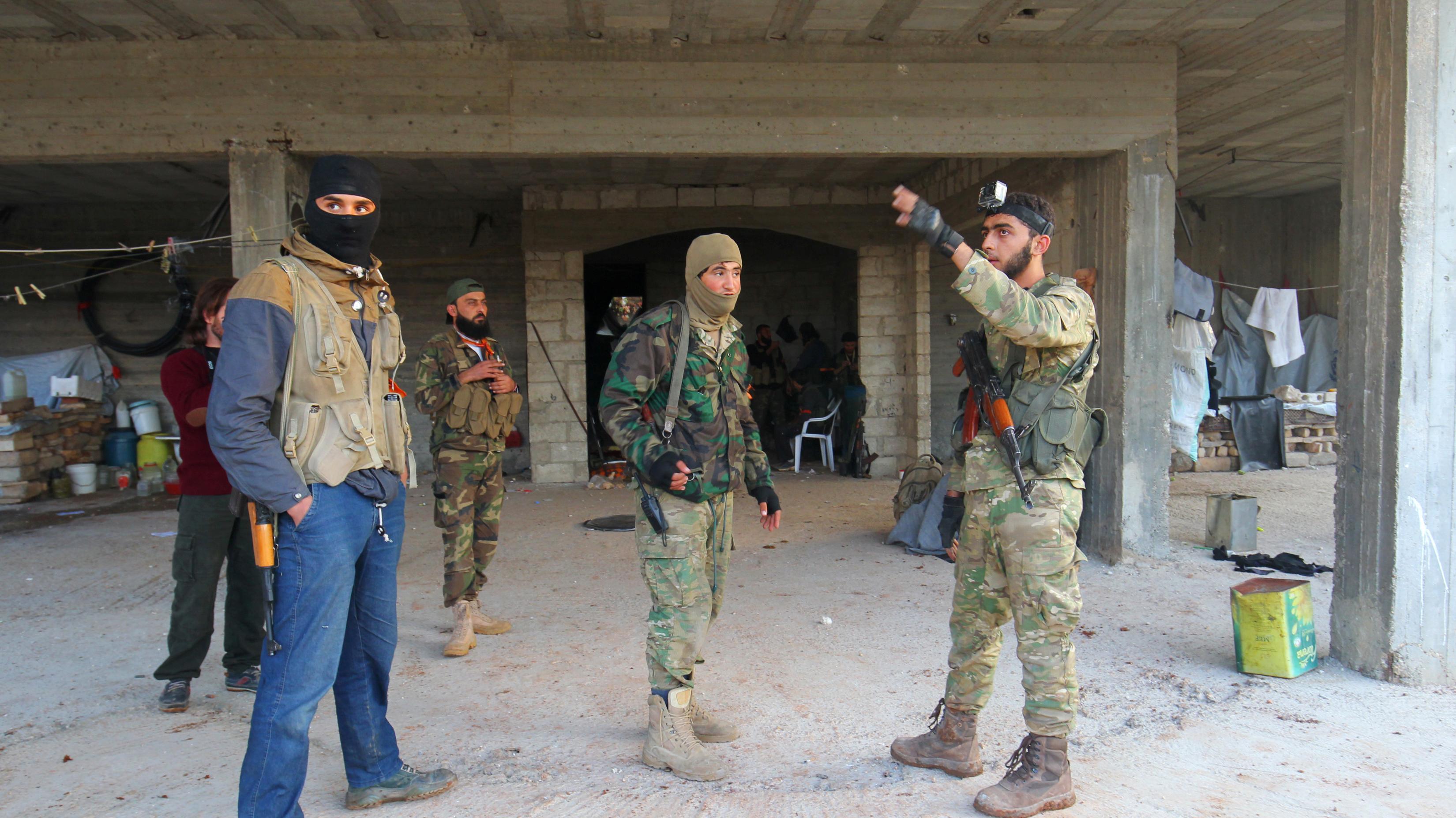 Rebellen weiten Offensive in Aleppo aus