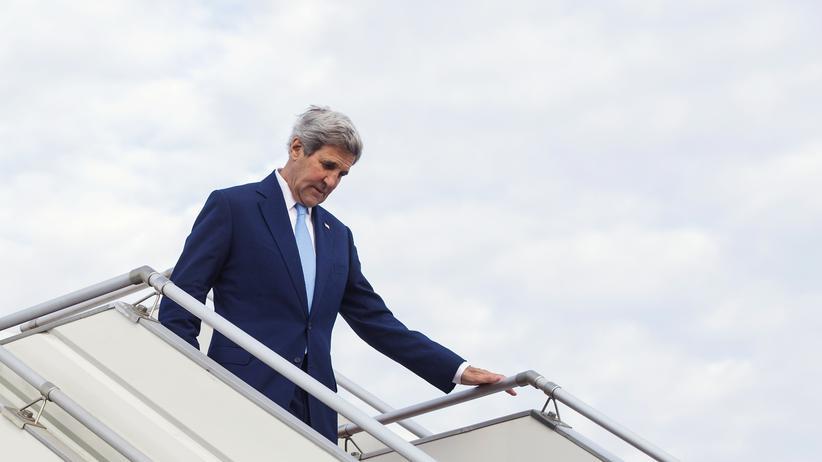 Syrien: US-Außenminister John Kerry auf dem Flughafen von Ulan-Bator im Juni 2016