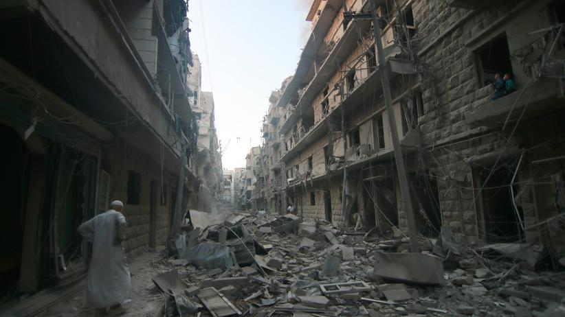 Syrien: Zerstörte Wohnhäuser nach Luftschlägen der russischen Armee in Ost-Aleppo