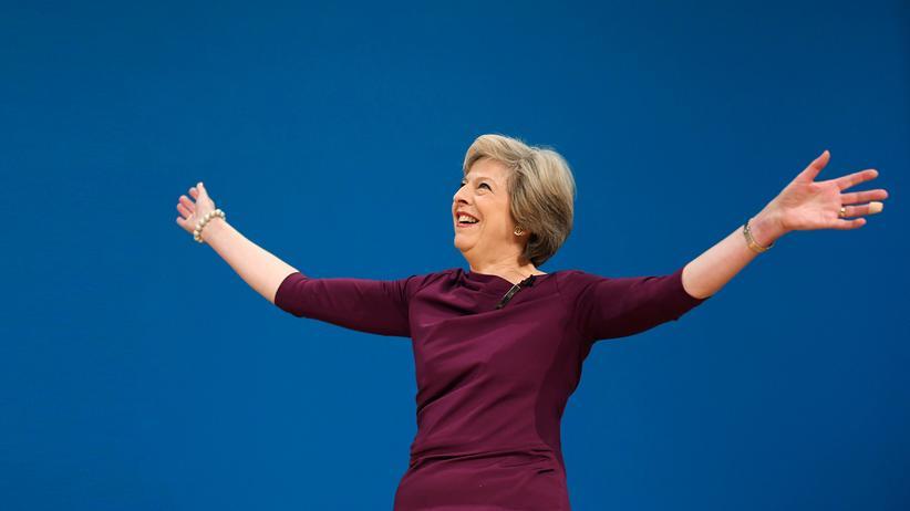 Theresa May: Theresa May will die Tories in der politischen Mitte positionieren, sagt sie.