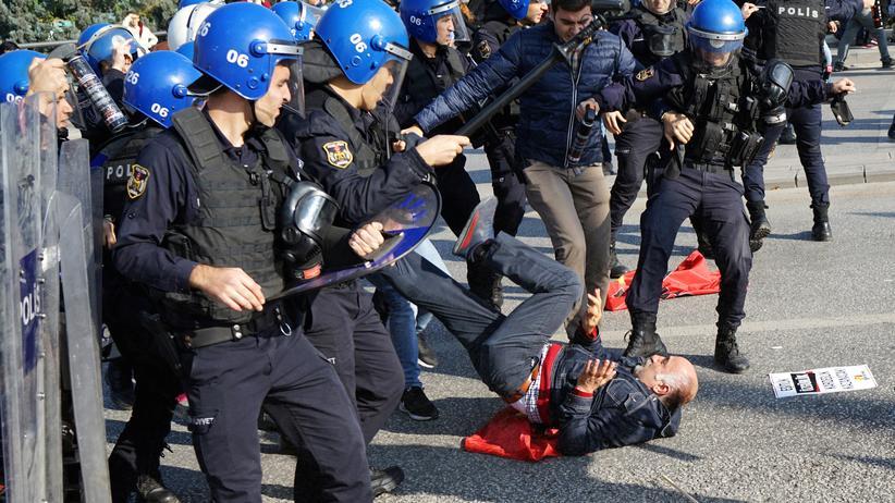 Türkei: Polizei setzt Tränengas bei Gedenkfeier ein