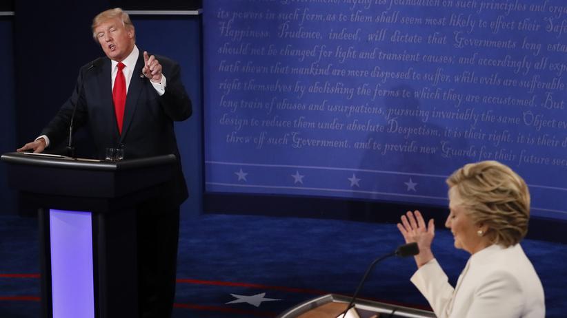 US-Wahl 2016: Donald Trump und Hillary Clinton bei ihrer dritten und letzten TV-Debatte in Las Vegas