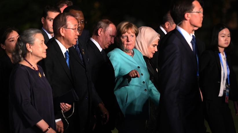 Putin in Berlin: Angela Merkel und Wladimir Putin beim Gespräch auf einem G20-Treffen