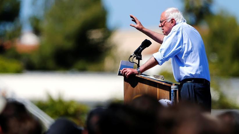 US-Demokraten: Bernie Sanders will weitermachen, womit er nach der Nominierung Hillary Clintons aufgehört hat.