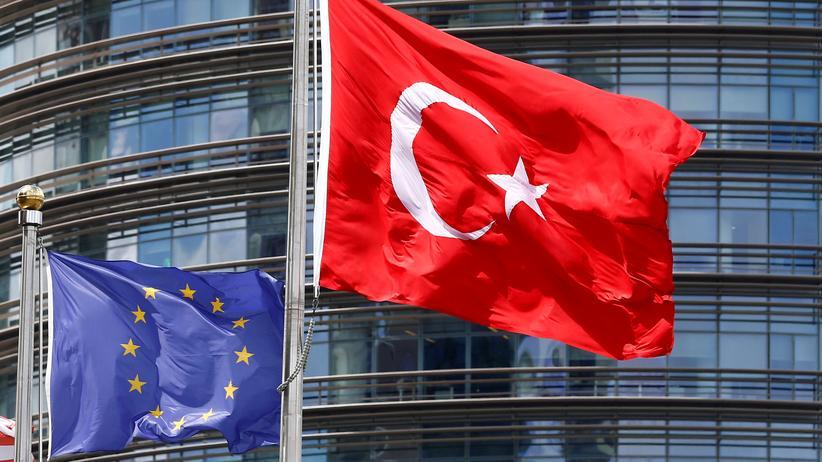 EU-Parlament: Die Europaparlamentarier stimmten dafür, die Beitrittsgespräche mit der Türkei auszusetzen.