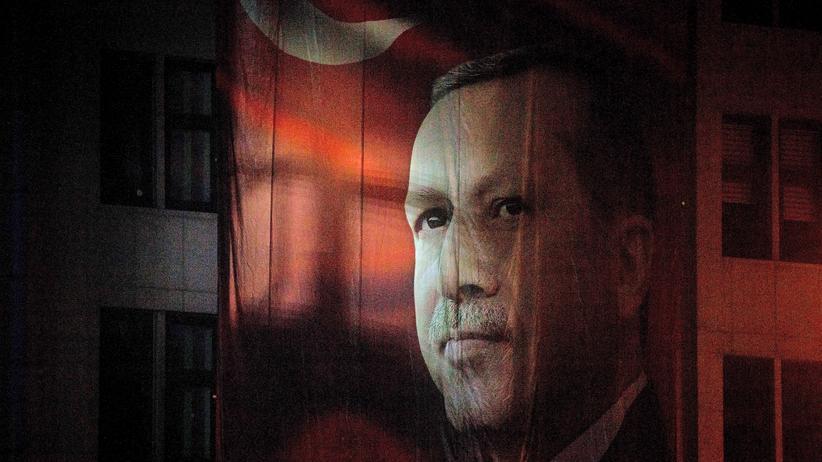 EU und Türkei: Ein Poster mit dem Konterfei Erdoğans in Rize, wo der heutige türkische Präsident aufwuchs
