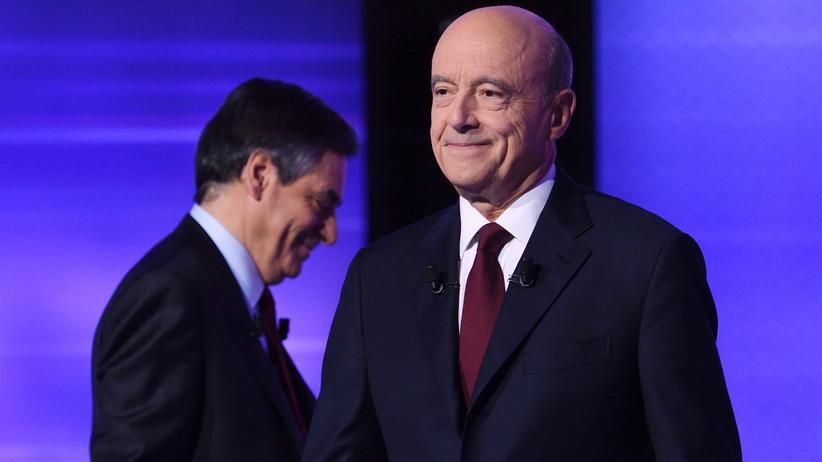 Frankreich: Die Präsidentschaftsbewerber der französischen Konservativen, François Fillon (links) und Alain Juppé, beim TV-Duell