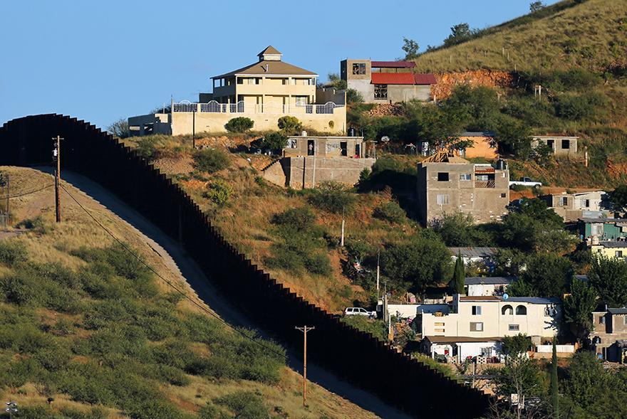Grenze Zu Mexiko Ein Zaun Der Menschen Trennt Zeit Online