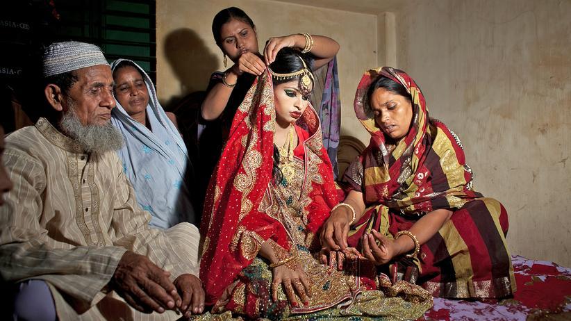 Integration: Die 15-jährige Nasoin Akhter aus Bangladesch erwartet ihre Vermählung.