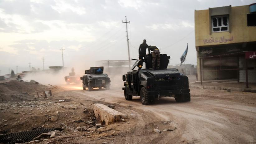 """""""Islamischer Staat"""": Irakische Truppen rücken in das Dorf Baswaja ein, das in der Nähe von Gogdschali liegt."""
