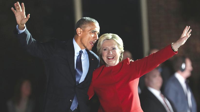 """Hillary Clinton: US-Präsident Barack Obama hat in Philadelphia ein letztes Mal eindringlich für die Wahl von Hillary Clinton geworben, die eine """"Präsidentin für jeden einzelnen"""" sein werde."""
