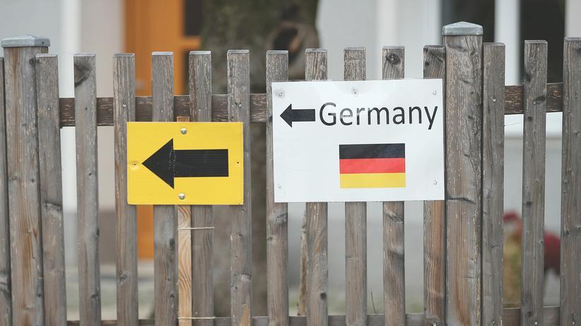 Extremismus: Österreich schiebt deutsche Reichsbürgerin ab