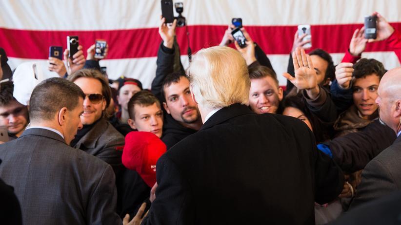 Liberalismus: Donald Trump und Unterstützer in Rochester, New York
