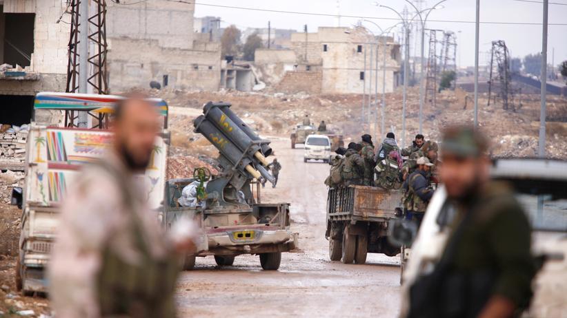 Syrien: Soldaten der syrischen Armee in einem der anderen kürzlich eroberten Stadtteile in Aleppo
