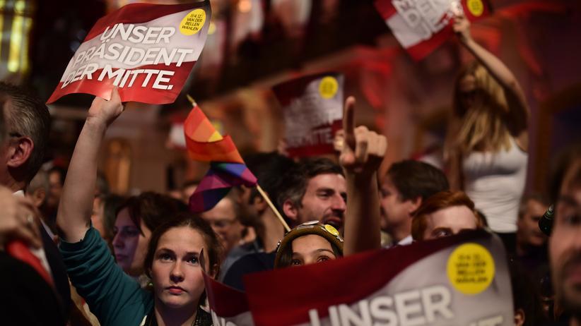Hören, was bewegt: Wechselbad für Europa, Merkel vor schwierigem Parteitag