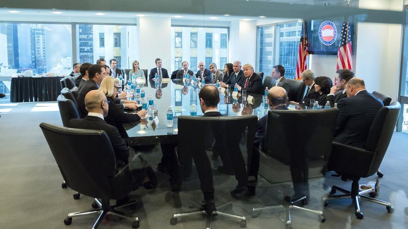 Donald Trump: Konzernchefs aus dem Silicon Valley treffen Donald Trump und Mitglieder seines Teams in New York.
