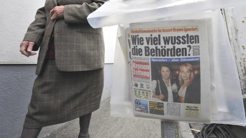 """Presse in Österreich: Straßenverkauf der """"Kronen-Zeitung"""" in Österreich"""