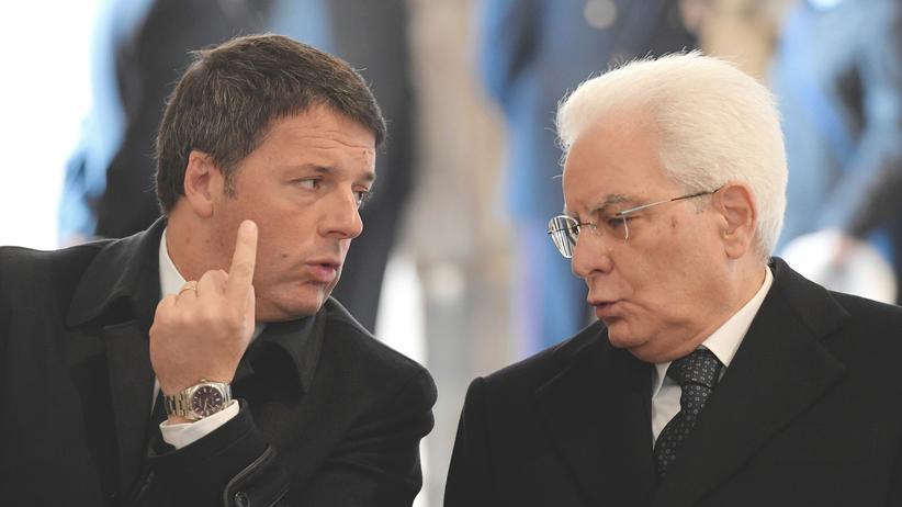Referendum: Präsident fordert Renzi auf, länger im Amt zu bleiben