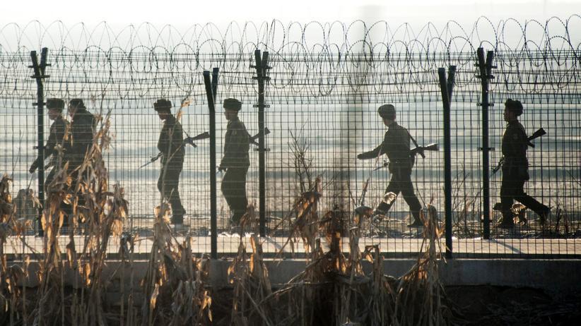 Atomstreit: Nordkoreanische Soldaten an der Grenze zu China