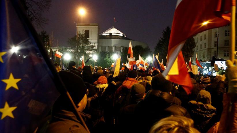 EU-Ratspräsident Tusk mahnte die polnische Regierung zu Respekt vor der Verfassung.