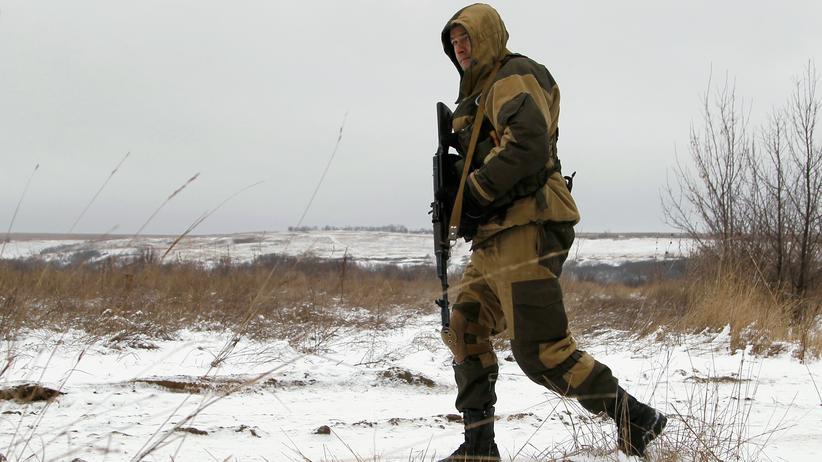 Ostukraine: Ein Soldat der prorussischen Separatisten in der Region Luhansk im Dezember 2016