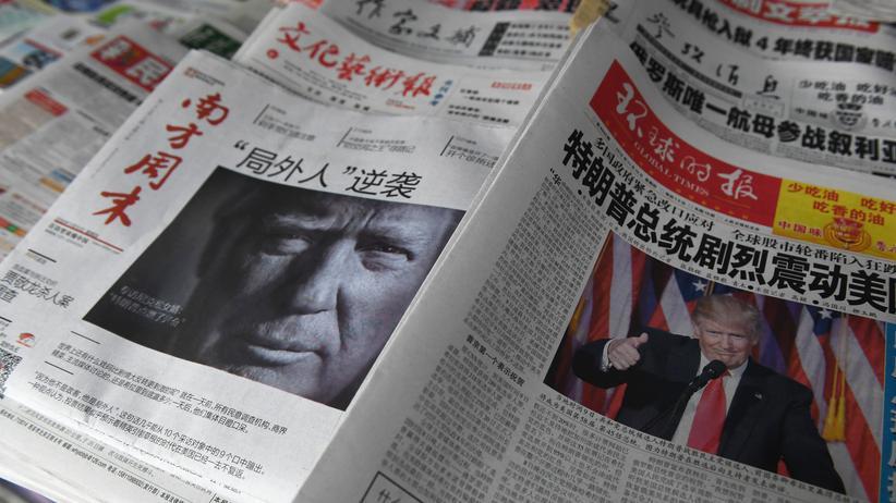 Taiwan: Peking am 10. November: Chinesische Zeitungstitelseiten zu Trumps Wahlsieg