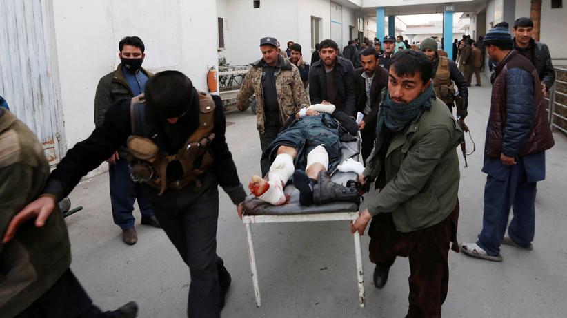 Flüchtlinge: Verletzte nach einem Anschlag in Kabul an diesem Dienstag