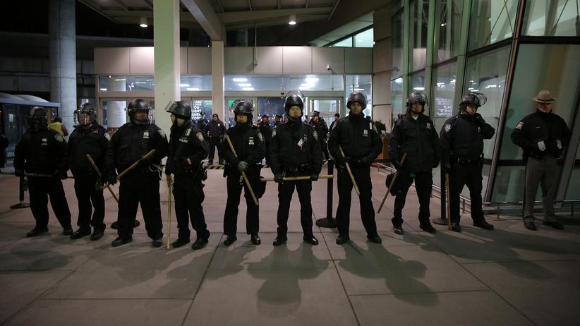 Einreisestopp Flughafen New York Muslime Donald Trump