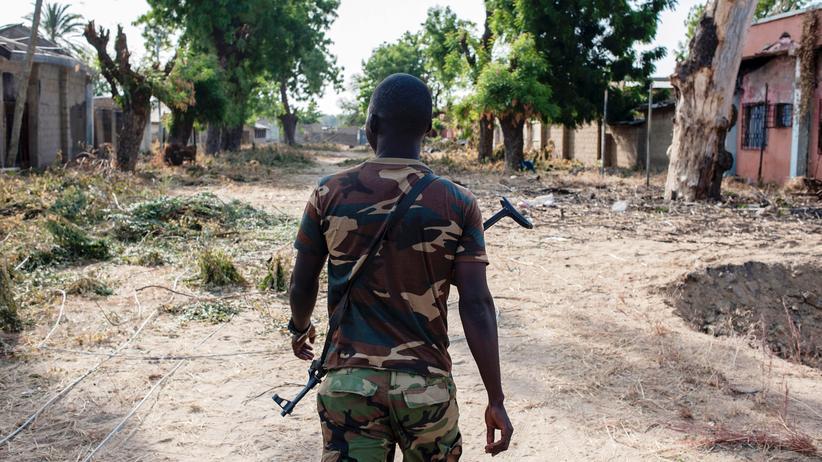 Boko Haram: Ein nigerianischer Soldat im Nordosten des Landes
