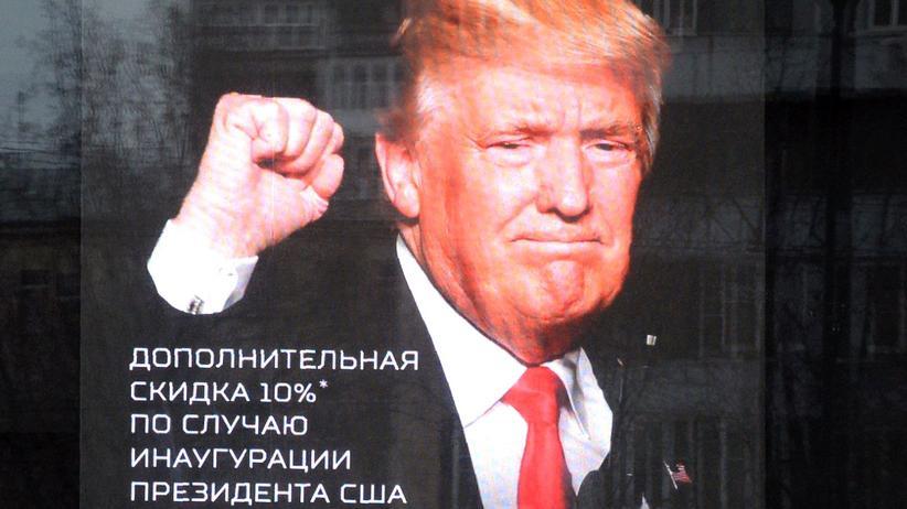 Russland: Zehn Prozent Rabatt auf alle Militaria – Aktion in Moskau zur Amtseinführung von US-Präsident Donald Trump
