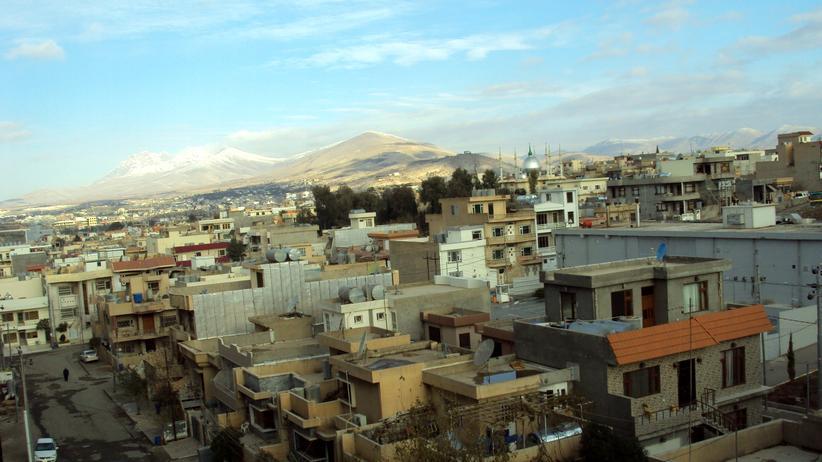 Nordirak: Mit großen Tanks versorgen sich Bewohner der nordirakischen Stadt Sulaimaniyya mit Wasser. Die öffentliche Versorgung funktioniert kaum noch.