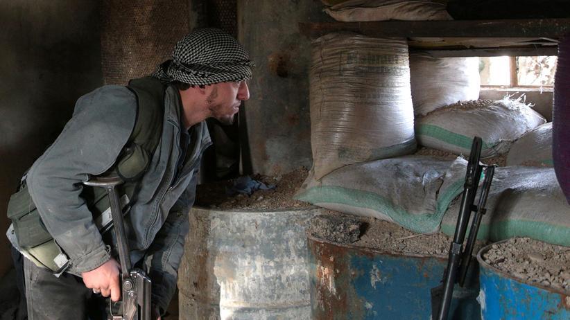Die Rebellen werfen der syrischen Regierung vor, gegen die Waffenruhe verstoßen zu haben.