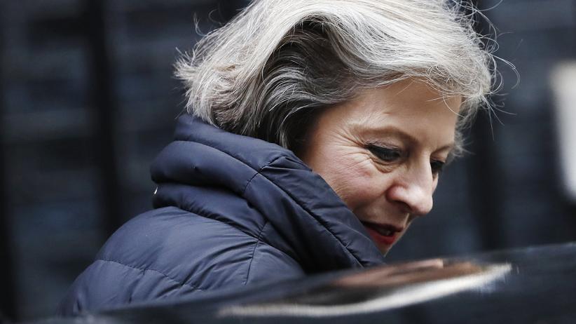 """Großbritannien: Ursprünglich war Theresa May gegen den Brexit, als Premierministerin dann kündigte sie einen """"harten Brexit"""" an. Doch sie erwartet wohl selbst, dass sie die europafreundlichen Abgeordneten einbinden muss."""