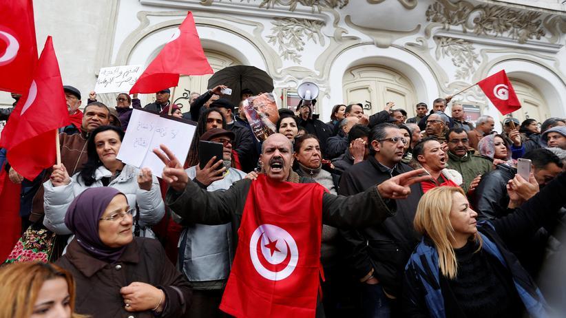 Tunesien: Eine Demonstration in Tunis gegen die Rückkehr von Dschihadisten nach Tunesien