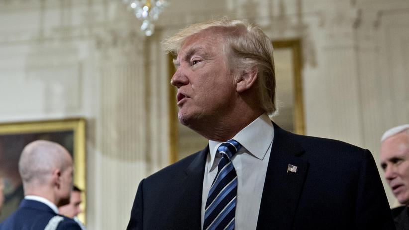US-Präsident: Donald Trump an seinem zweiten Tag als US-Präsident im Weißen Haus