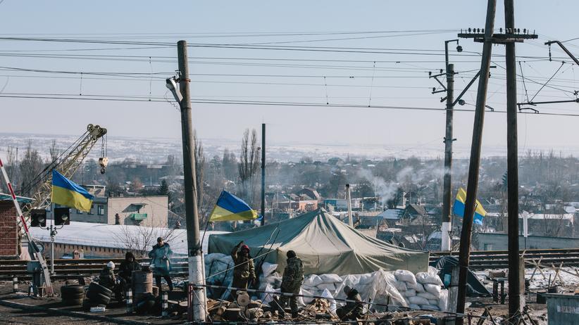 Ostukraine: Ein Checkpoint in der Stadt Bachmut in der ostukrainischen Region Donezk