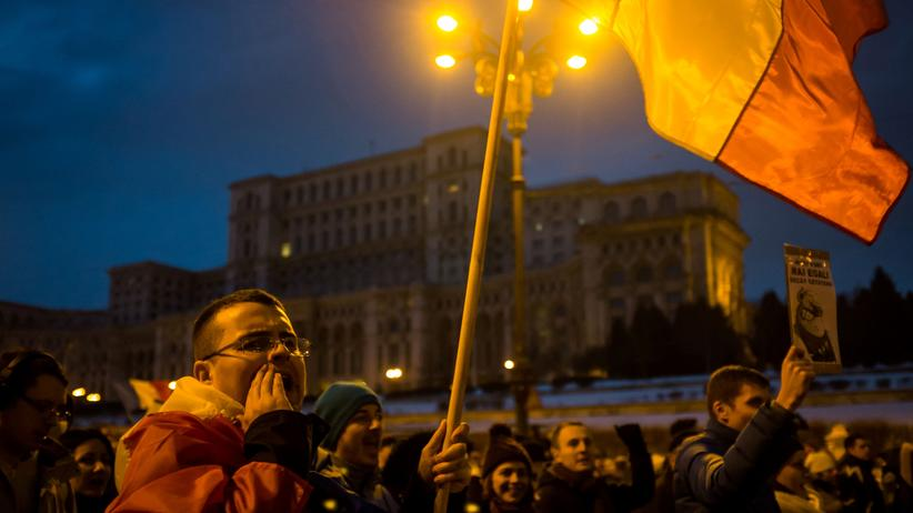 Bukarest: Rumäniens Regierung zieht umstrittenes Dekret zurück
