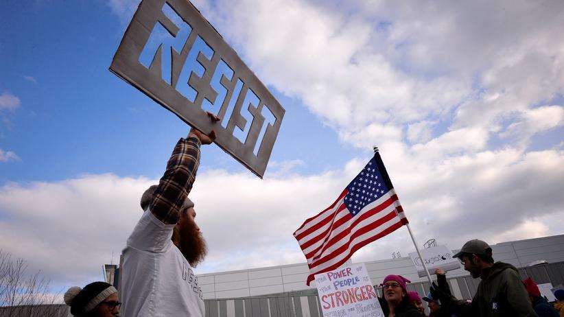 Einreiseverbot: Proteste Ende Januar am Flughafen in Philadelphia gegen das erste, inzwischen gestoppte Einreiseverbot der US-Regierung