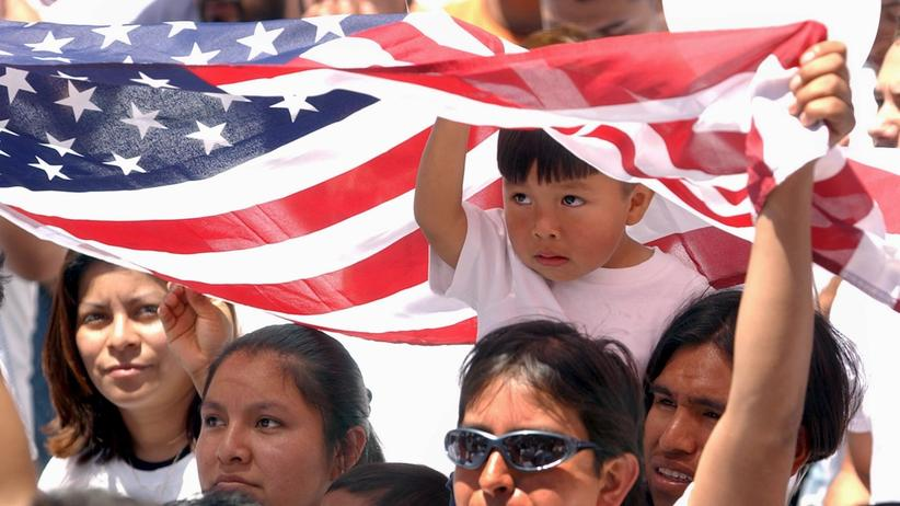 "USA: Demonstranten beim  ""Day Without Immigrants"" in Atlanta, Georgia"